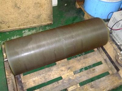 為加工物,表層為切割晶片的砂漿(二氧化矽)底部為像膠 硬度HRC大約在90度